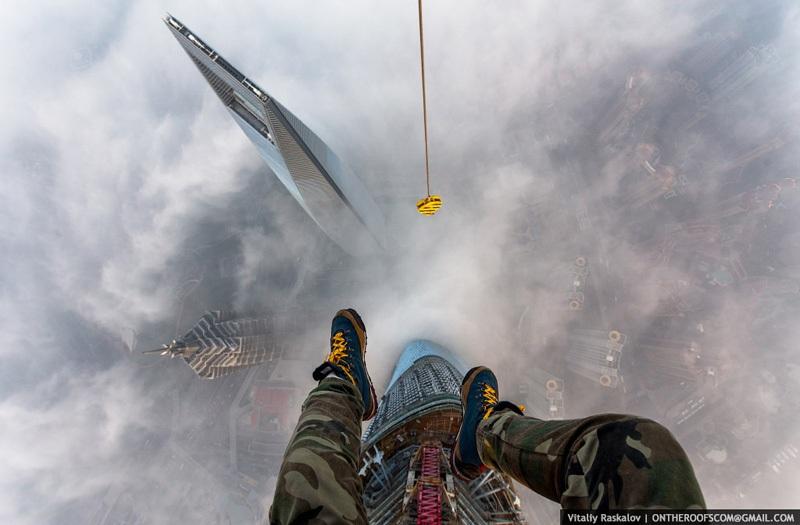 photos-from-shanghai-tower-climb-vitaliy-raskalov-1