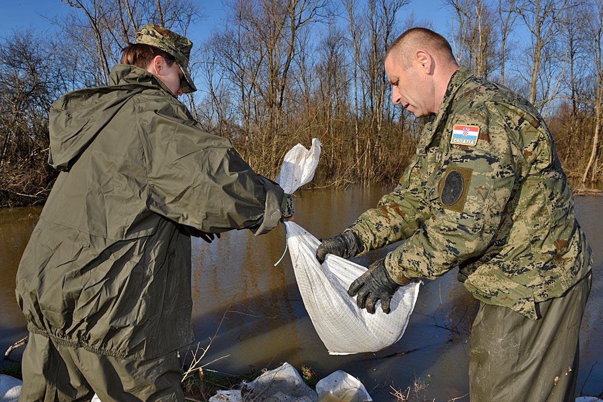 hrvatska vojska poplave slavonija vojni rok