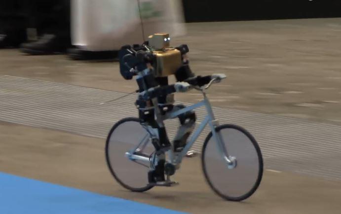 robot na biciklu 3