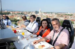dinner in the sky zagreb bandić westin večera na nebu