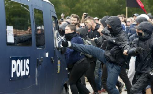 švedska antifašisti neredi