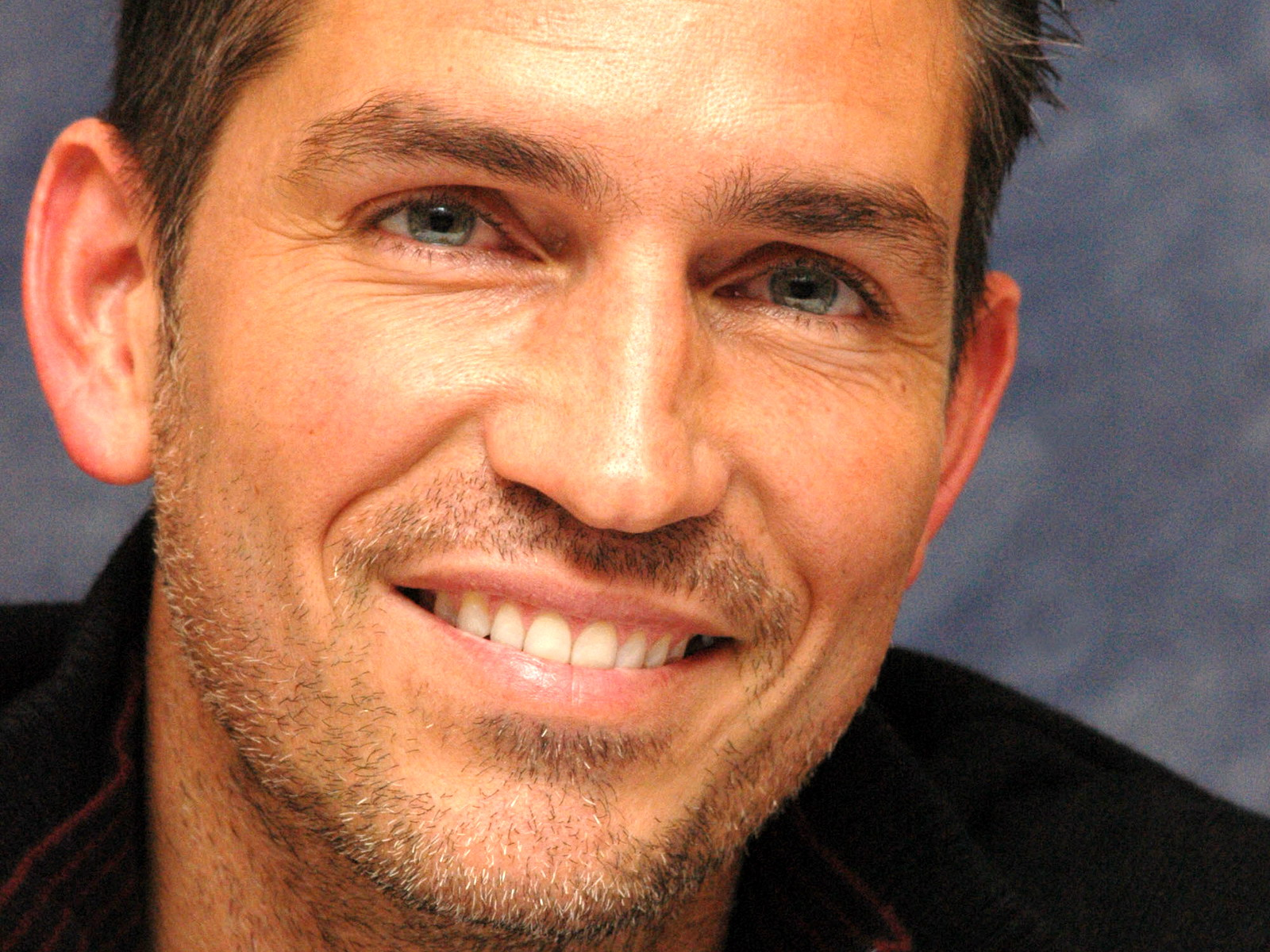 james_caviezel_wallpaper_4-normal