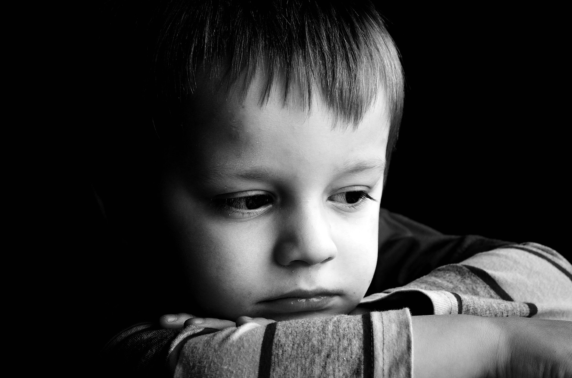 sad-child-bad-parenting
