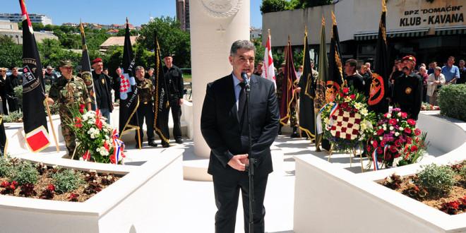 baldasar split spomenik hos luka podrug deveta bojna za dom spremni
