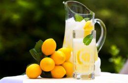 limunada limun voda čaša vode ujutro