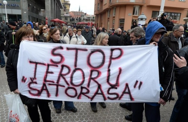 prosvjed branitelja savska 66 pokret occupy hrvatska stop teroru šatoraša marijana mirt occupy croatia stop teroru šatoraša savska 66 branitelji