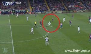 Crystal Palace QPR gol s pola terena