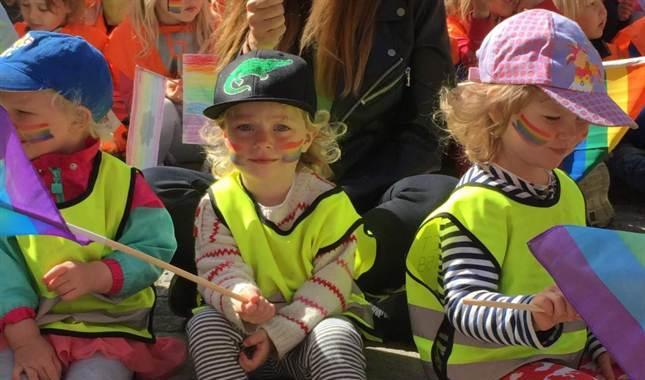 švedska gay parada djeca