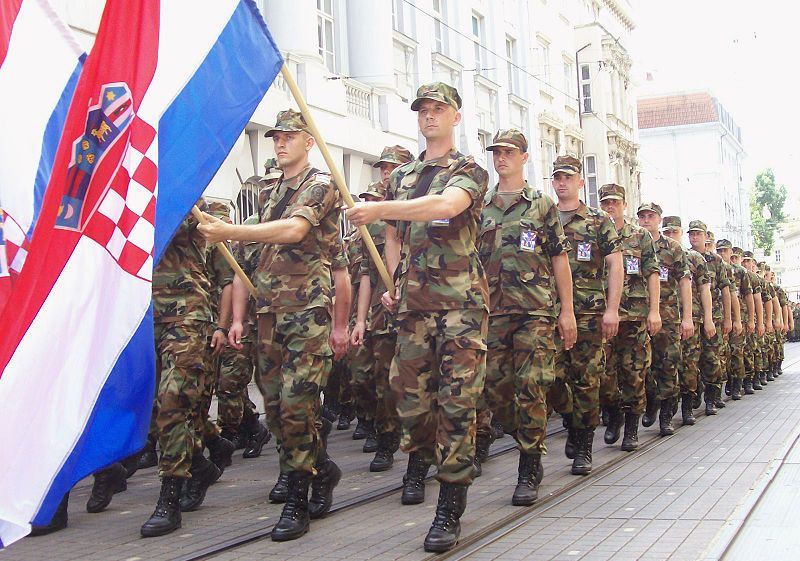 mi smo garda hrvatska mladen kvesić slovenci vojna parada oluja