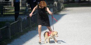 ministrica milanka opačić sdp šeta psa