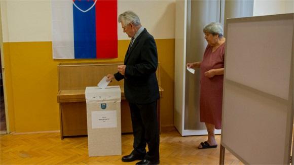slovačka referendum imigranti