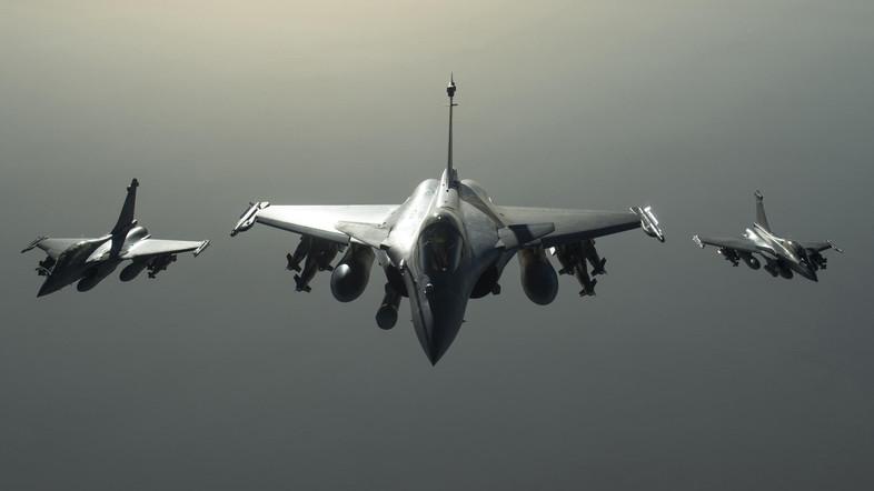 francuska pariz isis sirija napad avion