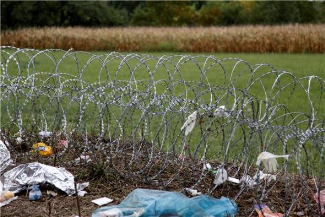 slovenija granica žica imigranti