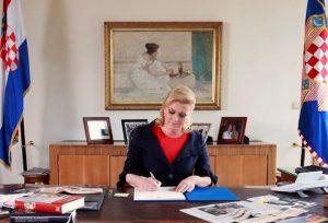 Božićna čestitka predsjednice Grabar-Kitarović