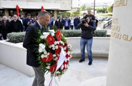 zlatko hasanbegović hos spomenik