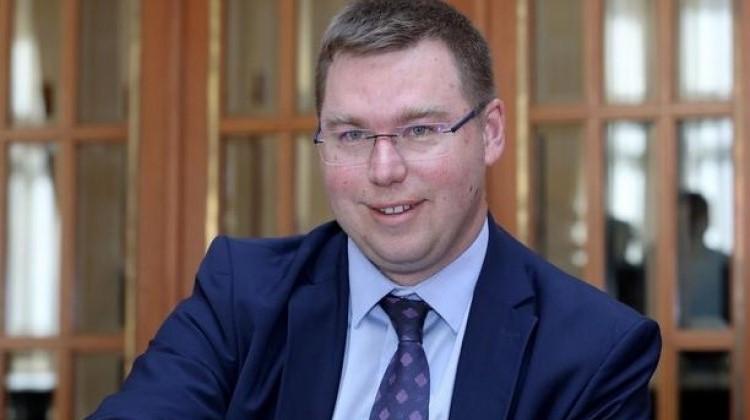 marko pavić, ministar rada, vlada, plaće, državni službenici